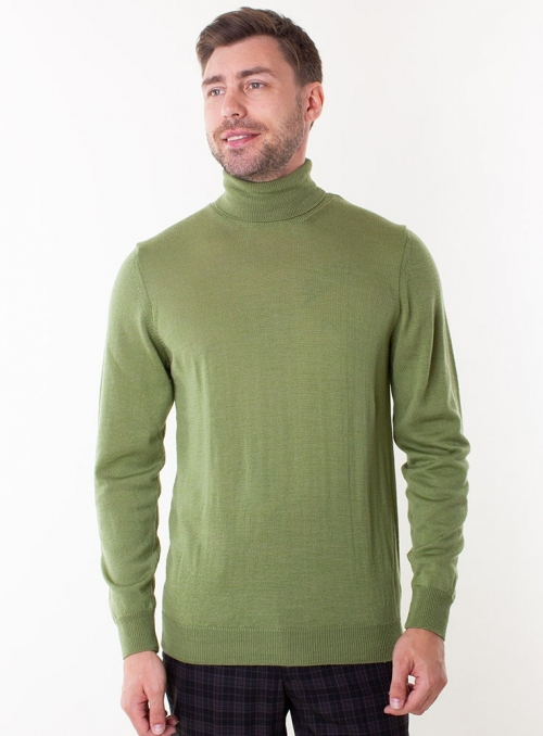 Men's green grass rollneck in a fine knit