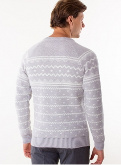 Men's charcoal sweater in volumous knit.