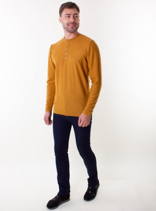 Men's mustard jumper in a fine knit